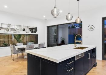 Effingham-3-Modern-Designer-Home-OShea-builders-23