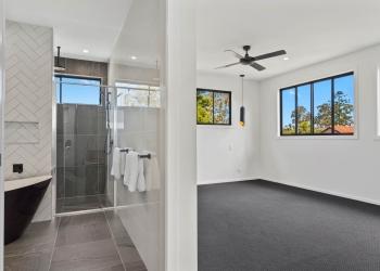 Eighth-Modern-Designer-Home-OShea-builders-11