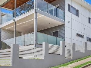 Eyre-Modern-Designer-Home-OShea-builders-13