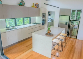 Laura-St-Contemporary-Designer-Home-OShea-builders-6