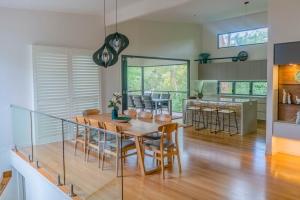 Laura-St-Contemporary-Designer-Home-OShea-builders-1