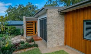 Laura-St-Contemporary-Designer-Home-OShea-builders-9