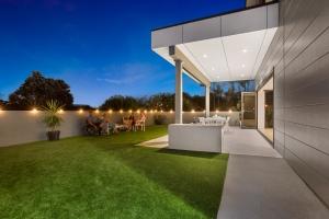 Pavillion-Lutzow-Project-Modern-Home-Design-Brisbane-58