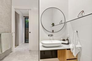 Pavillion-Lutzow-Project-Modern-Home-Design-Brisbane-89