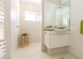 Wanda-Splitter-Joint-Project-Modern-Home-OShea-Builders-3