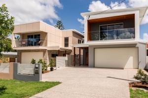 Wanda-Splitter-Joint-Project-Modern-Home-OShea-Builders-18