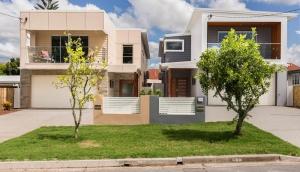 Wanda-Splitter-Joint-Project-Modern-Home-OShea-Builders-20