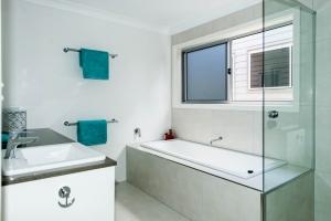 Wanda-Splitter-Joint-Project-Modern-Home-OShea-Builders-9